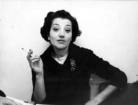 Photographie. Femme à la cigarette, photographie de Cecilia Mangini
