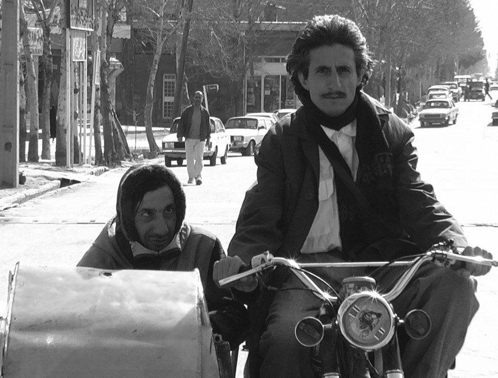 Quelques kilos de dattes pour un enterrement / Lonely Tunes of Tehran
