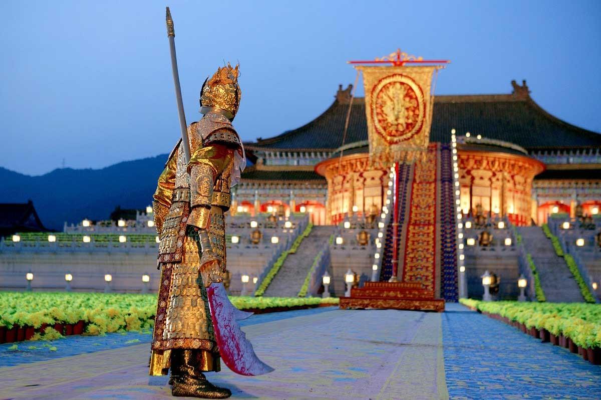 Critique la cit interdite de zhang yimou le site de critique de films - Film les portes de l enfer ...